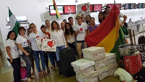 Activistas partieron de Santa Cruz con todas las cartas ciudadanas firmadas