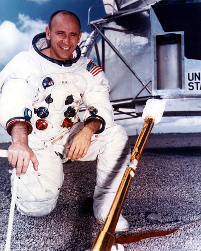 Alan Bean, parte de la tripulación del Apolo 12 y cuarto hombre en pisar la luna en 1969 (NASA)